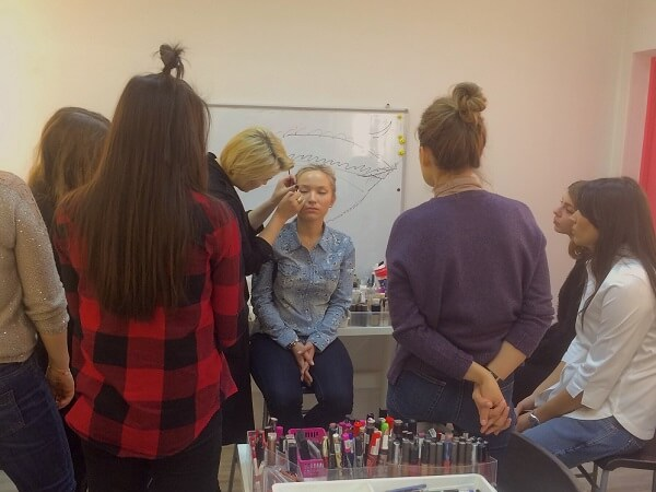 Make-up School � ���������