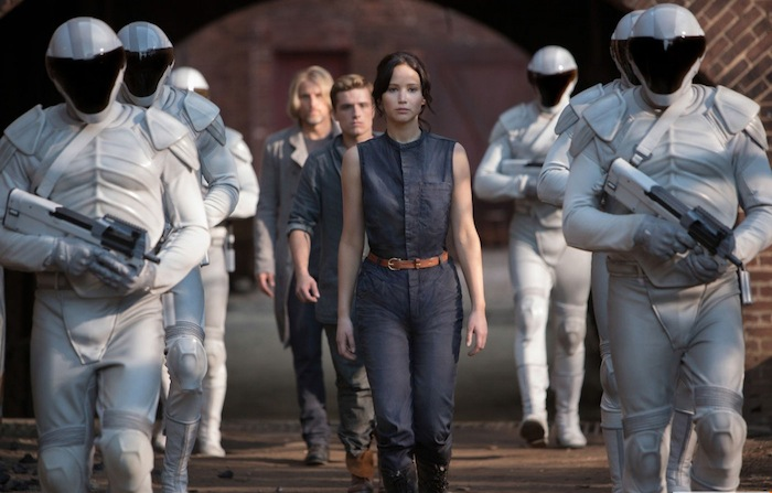 kinopoisk.ru-The-Hunger-Games_3A-Catching-Fire-2258157.jpg