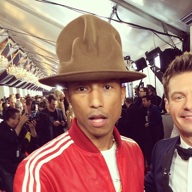 Pharrell-Williams-wears-Vivienne-Westwood-Buffalo-Mountain-Hat-at-the-2014-Grammys.jpg